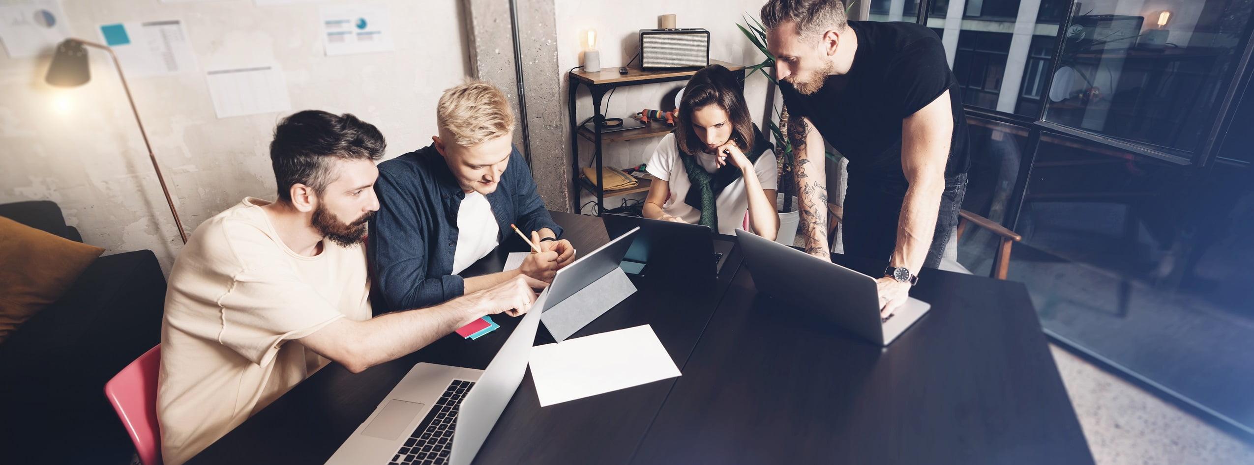 zespół projektujący stronę internetową